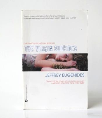 Eugenides_Jeffrey___The_Virgin_Suicides___Warner___2000___Libros_Antimateria_1