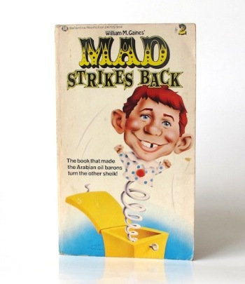 Mad_strikes_back___Ballatine___2___1975_Libros_antimateria
