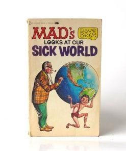 Imágen 1 del libro: MAD'S DAVE BERG LOOKS AT OUR SICK WORLD - Usado